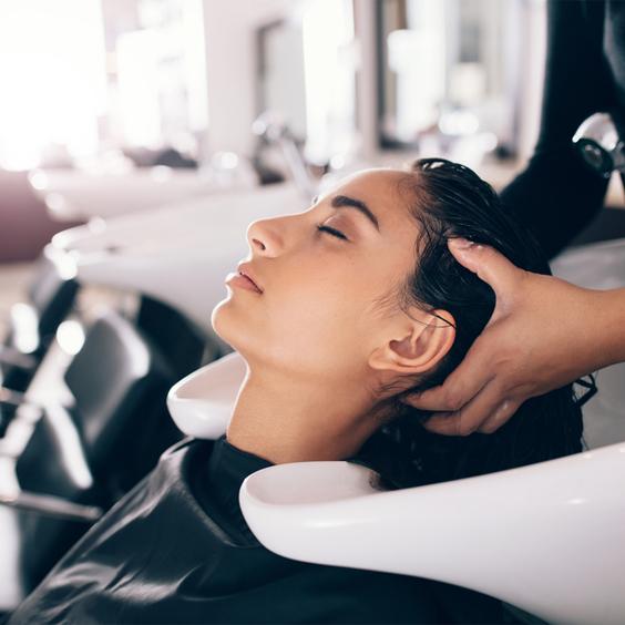 chăm sóc tóc hiệu quả tại spa, salon