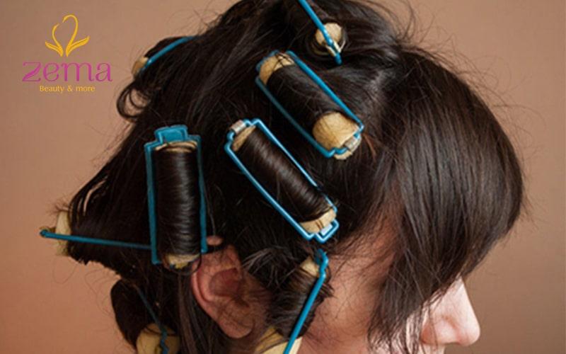 giữ nếp đuôi tóc bằng lô