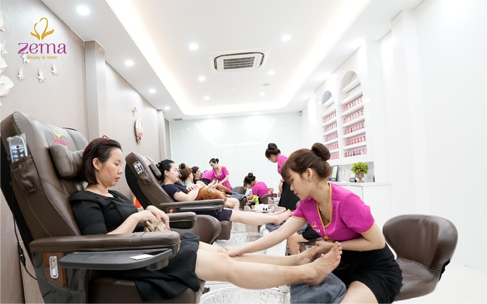 massage-thu-gian-tay-chan