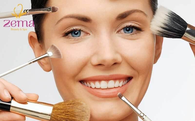 Trang điểm mặt kỹ càng giúp khuôn mặt nổi bật hơn