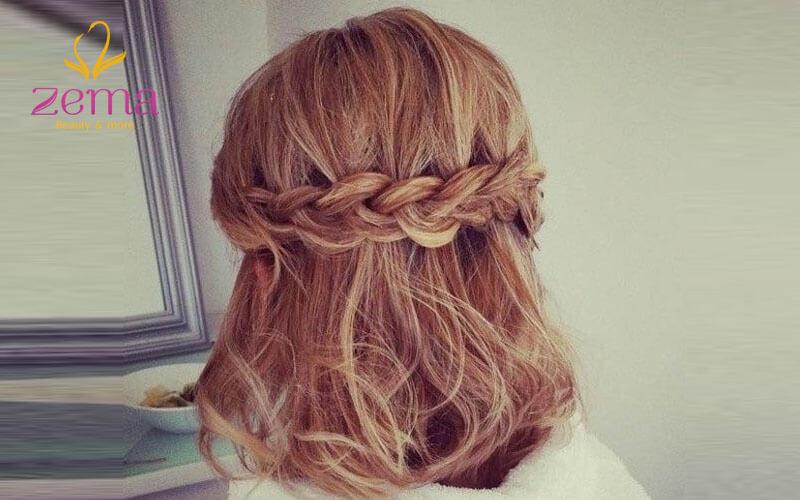 Tết tóc nửa đầu phù hợp với áo dài tinh khôi