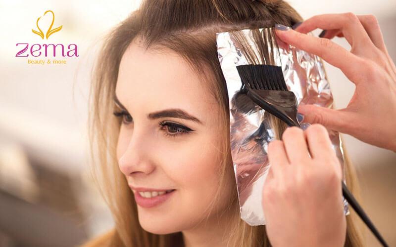 Sử dụng thuốc uốn giúp tóc nhanh tạo nếp và giữ lâu