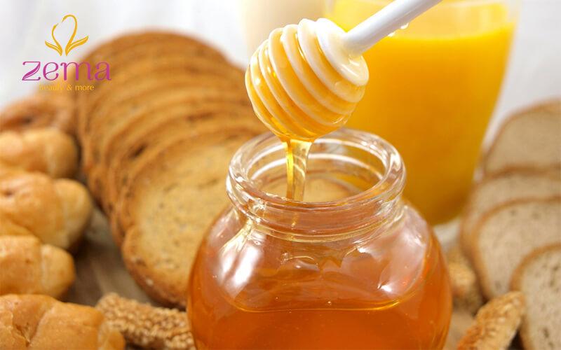 Phục hồi tóc hư tổn bằng mật ong