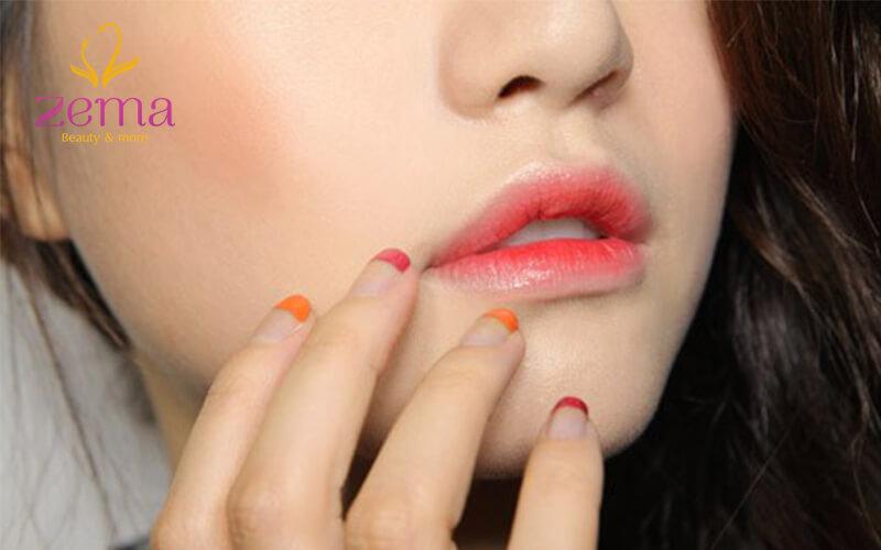 Bạn có nên phun môi màu hồng cam?