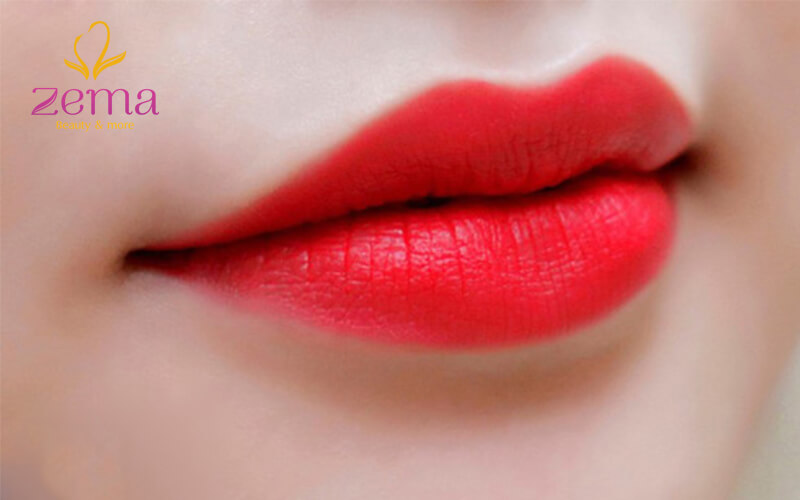 Phun môi màu hồng cam là gì?