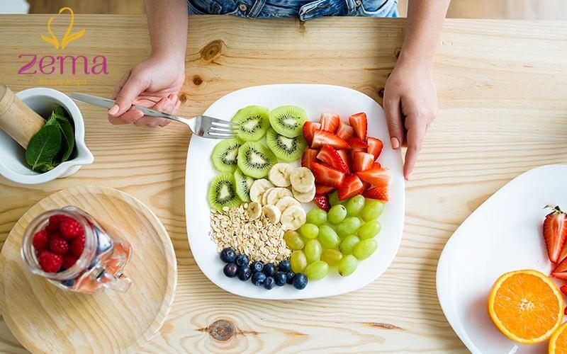 Nên kết hợp ăn nhiều trái cây để tăng cường mức trao đổi chất cho cơ thể.