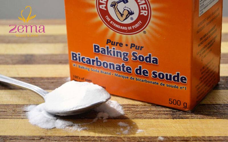 Baking soda cũng được nhiều người sử dụng làm mặt nạ trị mụn đầu đen
