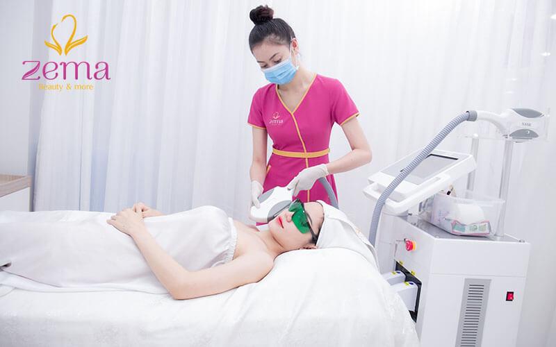 Điều trị se khít lỗ chân lông tại Zema Việt Nam