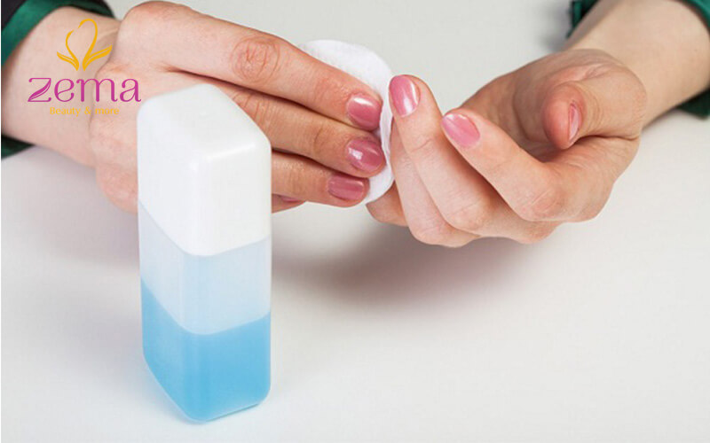 Cách tẩy sơn móng tay bằng acetone