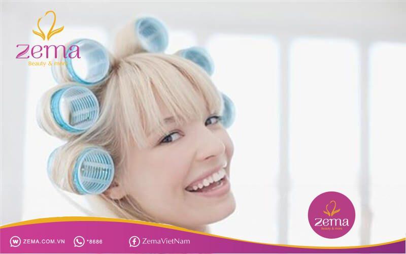 Lô nhựa là một dụng cụ làm tóc xoăn tự nhiên được rất nhiều chị em phụ nữ ưa chuộng