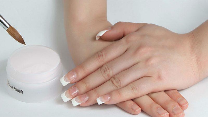 Dịch vụ nhúng bột nail giúp dưỡng móng an toàn, không ảnh hưởng đến da