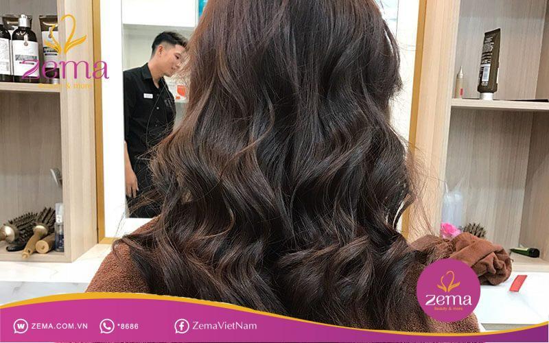 Các kiểu tóc dài gợn sóng đang được yêu thích nhất hiện nay