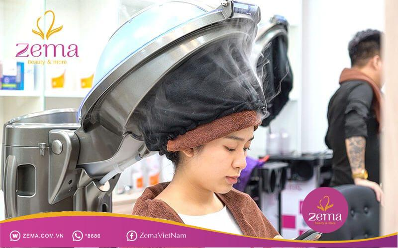 Nên ủ lạnh để tóc nhanh phục hồi và duy trì độ ẩm tự nhiên