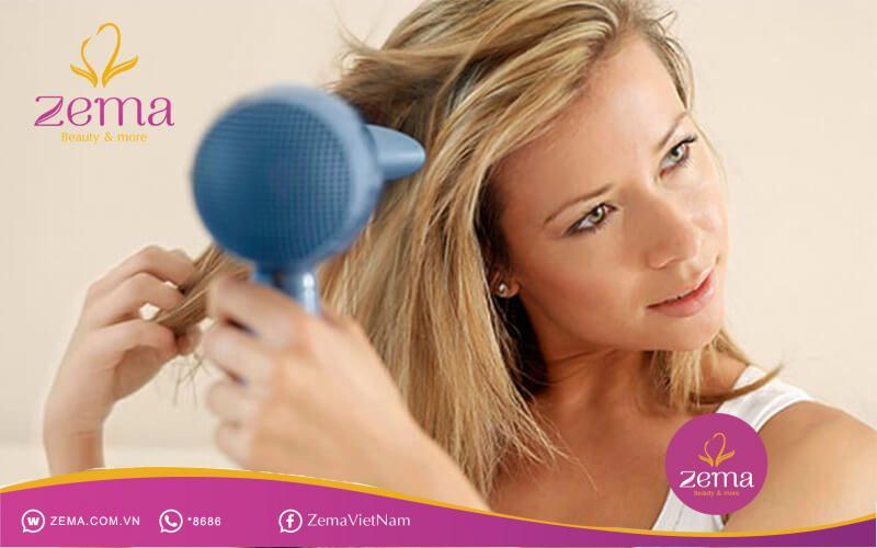 Đừng sử dụng nhiệt độ cao để tránh tóc xơ rối nhé