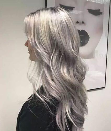 Kiểu tóc màu bạch kim là xu hướng tóc thời thượng hiện nay