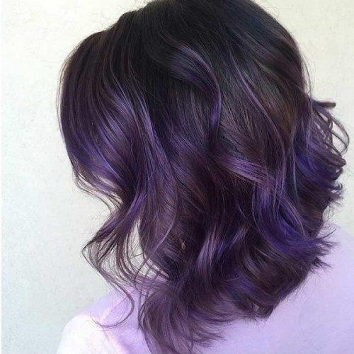 Cá tính và thật thu hút với mái tóc màu tím khói