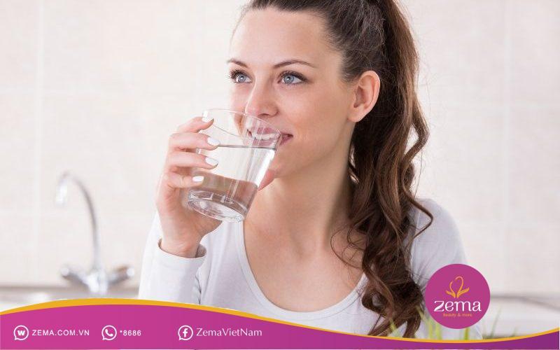 Nước rất cần thiết cho quá trình giảm cân