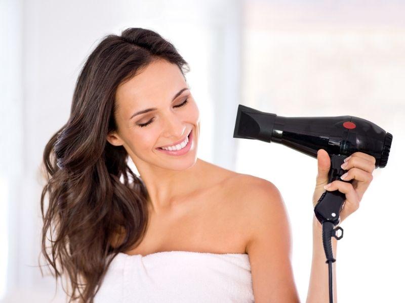 Sấy tóc đúng cách để tóc giữ được nếp