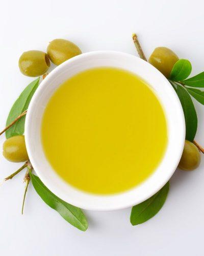 Dùng dầu oliu tẩy tế bào chết
