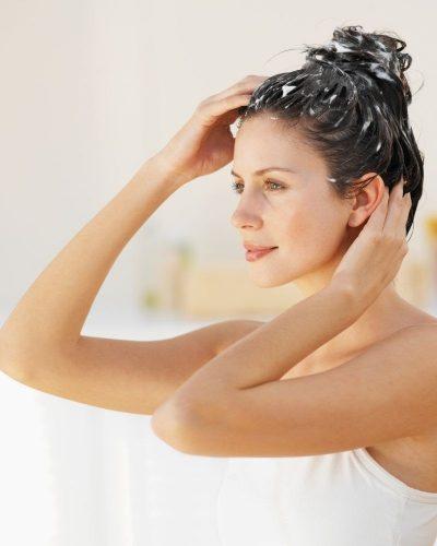 Ủ tóc bằng chanh có thể trị gàu