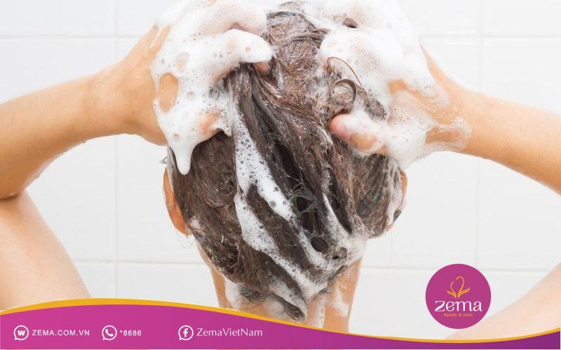 Gội đầu thường xuyên thực sự không tốt cho tóc