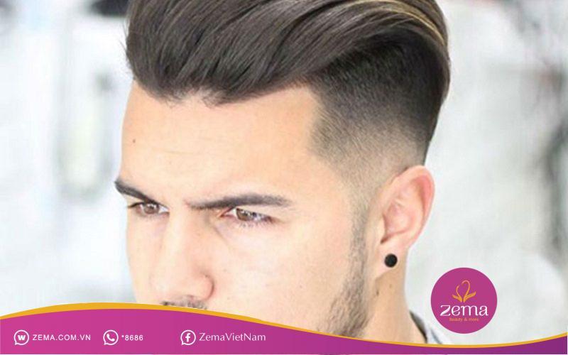 Lịch lãm nam tính với kiểu tóc vuốt ngược ra sau thể hiện đẳng cấp quý ông.
