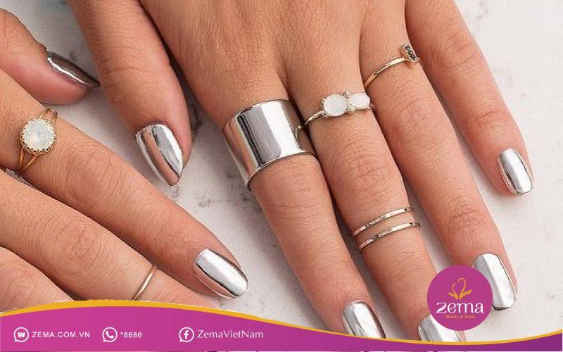 Khác biệt với màu sơn móng đẹp màu bạc