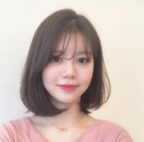 Kiểu tóc phù hợp với nàng mặt tròn và trán cao