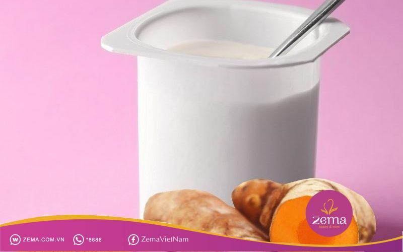 Sữa chua và nghệ có thể kết hợp để trị mụn bọc