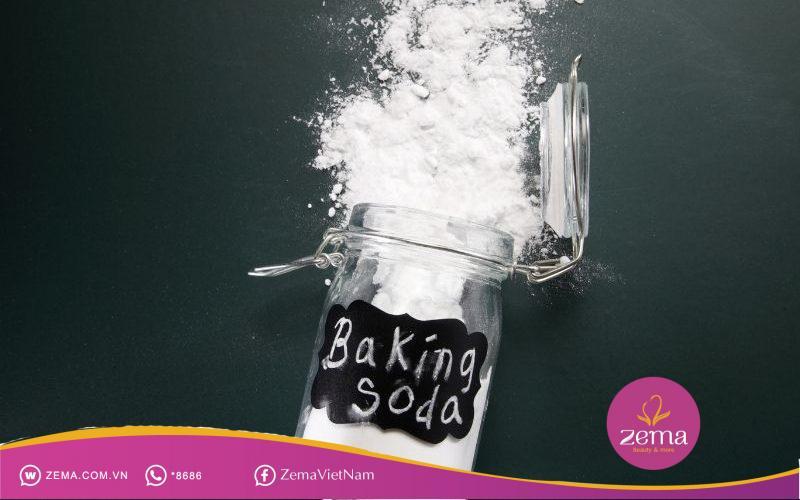 Baking soda hoà loãng để thoa lên da mông trị thâm