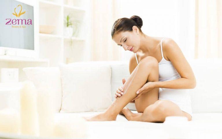 Trong bài viết này, chúng tôi mô tả cách tẩy lông mọc ngược trên chân một cách an toàn và ngăn ngừa vấn đề tái phát.