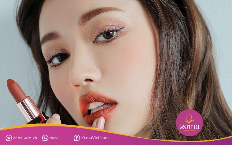Trang điểm cho đôi môi ngọt ngào