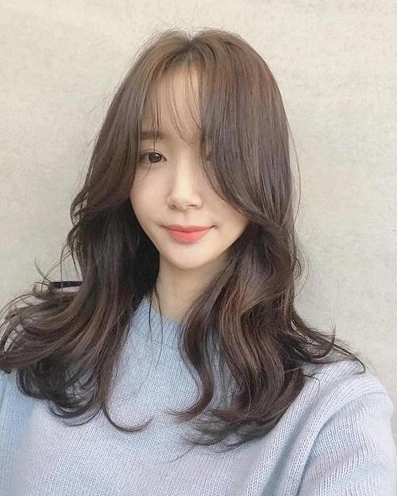 Kiểu tóc dài layer uốn gợn sóng