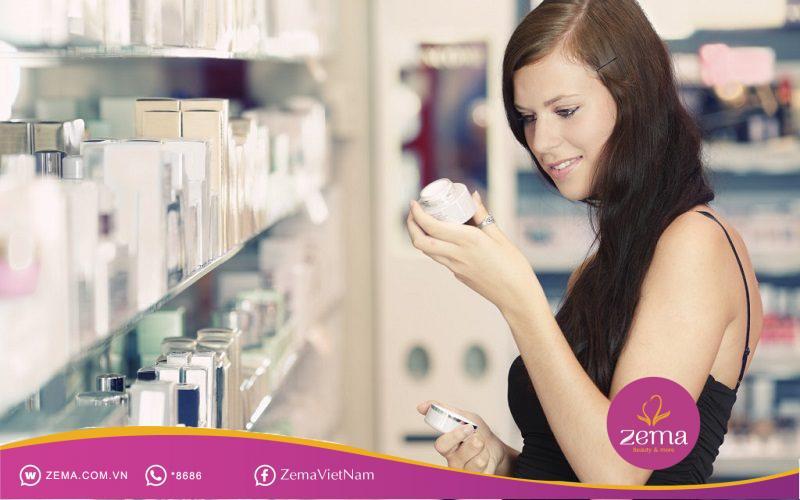 Cách chăm sóc da mụn đúng cách là nên chọn sữa rửa mặt phù hợp