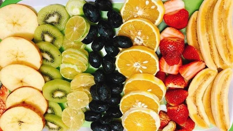 Một chế độ ăn lành mạnh cũng giúp trị mụn hiệu quả