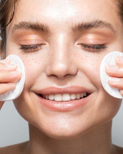 Làm sạch da là cách dưỡng da dễ dàng