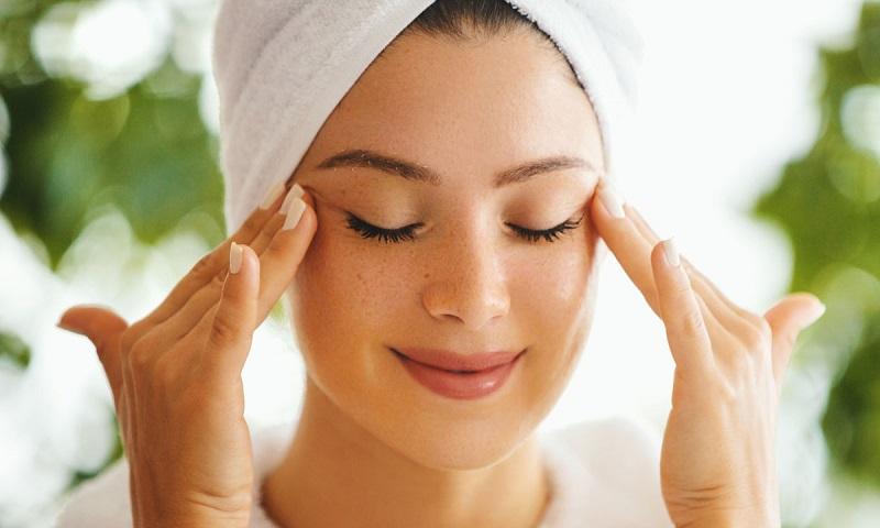Trị mụn đầu đen bằng cách massage được nhiều chị em áp dụng