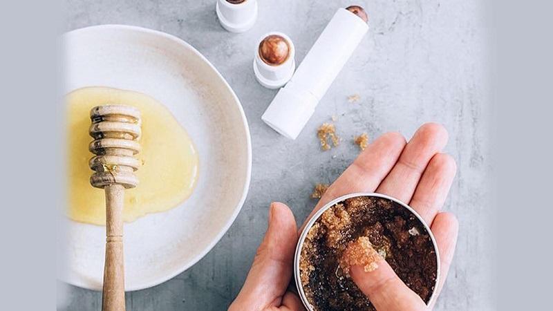 Cách trị mụn cám hiệu quả với hỗn hợp đường, cafe và mật ong