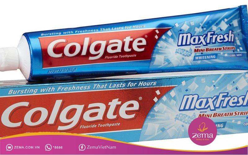 Sử dụng kem đánh răng giúp là một cách trị mụn đầu đen hiệu quả và đơn giản