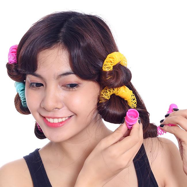 Cách uốn tóc bằng lô uốn tóc lò xo