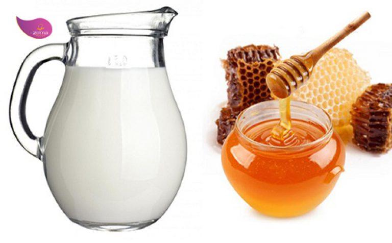 Sữa chua và mật ong là sự kết hợp tuyệt vời.