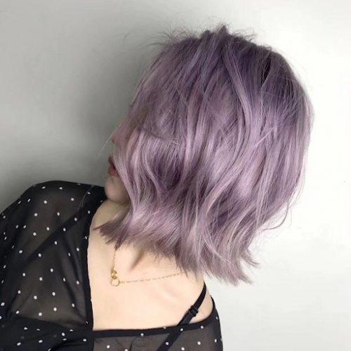 Nhuộm tóc màu khói đang trở thành xu hướng trong thời gian gần đây