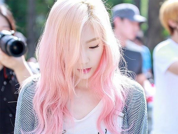 Tóc nhuộm màu khói hồng