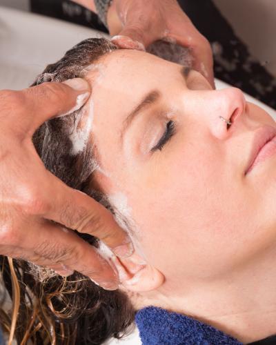 Gội đầu dưỡng sinh chăm sóc tóc hiệu quả