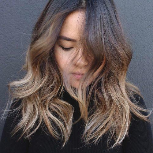 Kiểu tóc màu vàng khói phần đuôi được gợi cảm hứng từ cách lấy màu của họa sỹ