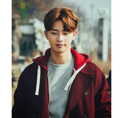 Kiểu tóc rẽ ngôi Hàn Quốc chuẩn Men