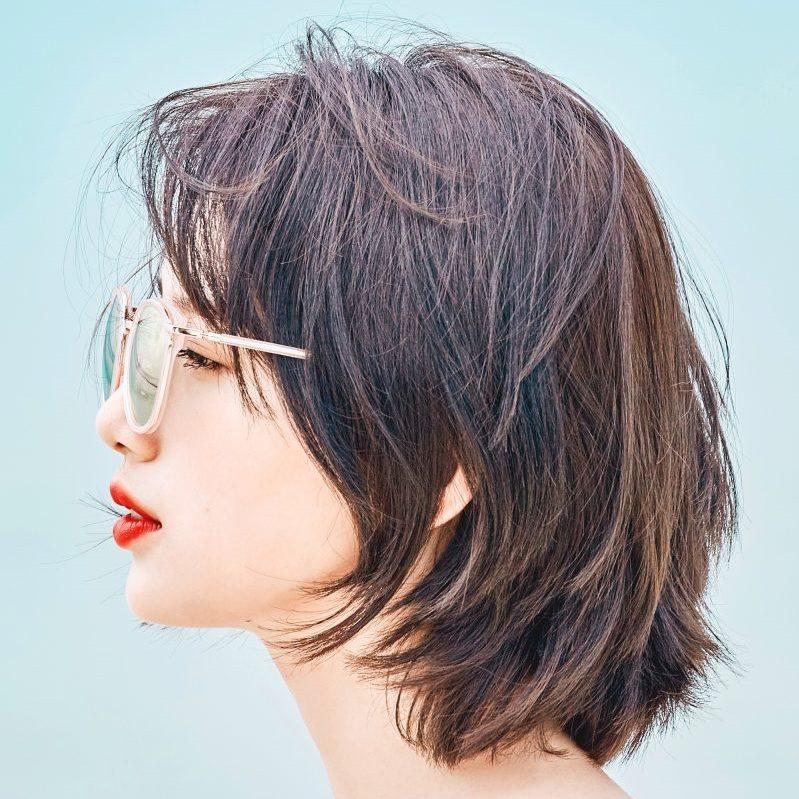 Mái tóc ngắn trở nên ấn tượng hơn nhờ kiểu tóc tỉa layer