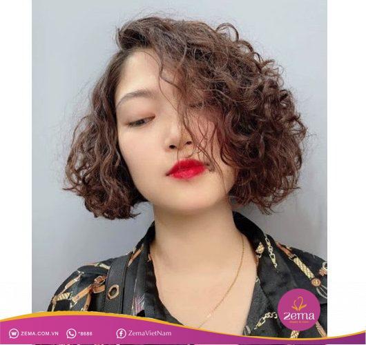 Kiểu tóc xoăn ngắn uốn mỳ tôm
