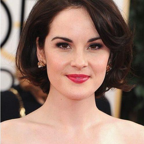 Kiểu tóc uốn cụp đuôi cho tuổi trung niên có khuôn mặt dài