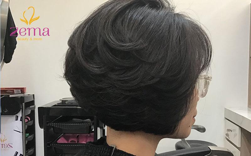 Khách hàng đến làm tóc tại Zema Việt Nam